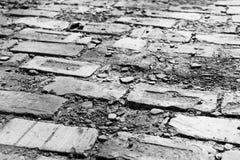 Γραπτές σπασμένες πέτρες επίστρωσης τούβλου Στοκ εικόνες με δικαίωμα ελεύθερης χρήσης