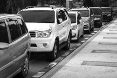 Γραπτή εικόνα μερικά από τα αυτοκίνητα που σταθμεύουν Στοκ Εικόνα