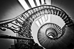 Γραπτή σπειροειδής σκάλα Στοκ εικόνες με δικαίωμα ελεύθερης χρήσης