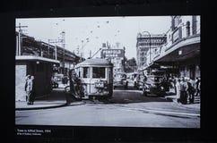 Γραπτή φωτογραφία για το τραμ στον παλαιό χρόνο οδών του Alfred, Circa 1954 Στοκ φωτογραφίες με δικαίωμα ελεύθερης χρήσης