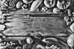 Γραπτή φωτογραφία του Πεκίνου, Κίνα Πλαίσιο με τα εποχιακά συστατικά στην ημέρα των ευχαριστιών Πλαίσιο τροφίμων Στοκ Φωτογραφίες