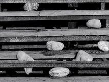 Γραπτή φωτογραφία των παλαιών σκαλοπατιών Στοκ εικόνες με δικαίωμα ελεύθερης χρήσης