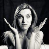 Γραπτό πορτρέτο του όμορφου θηλυκού με Στοκ φωτογραφία με δικαίωμα ελεύθερης χρήσης
