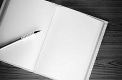 Γραπτό ύφος τόνου χρώματος σημειωματάριων Στοκ Φωτογραφία