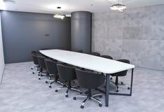 Γραφείο για τις συνεδριάσεις στο γραφείο Ένας μεγάλος πίνακας για τις διαπραγματεύσεις στο εμπορικό κέντρο Ένα δωμάτιο για τις δι Στοκ Φωτογραφία