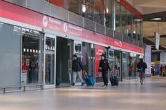 Γραφείο εκδόσεως εισιτηρίων και υποστήριξη πελατών στον κεντρικό σταθμό τρένου Στοκ Εικόνες