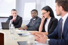 γραφείο διασκέψεων επιχειρησιακών εδρών που απομονώνεται πέρα από το λευκό Στοκ φωτογραφίες με δικαίωμα ελεύθερης χρήσης
