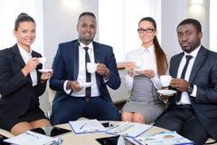 γραφείο διασκέψεων επιχειρησιακών εδρών που απομονώνεται πέρα από το λευκό Στοκ φωτογραφία με δικαίωμα ελεύθερης χρήσης
