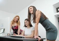 γραφείο 3 κοριτσιών Στοκ εικόνα με δικαίωμα ελεύθερης χρήσης