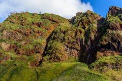 Γραφικά και μεγαλοπρεπή πράσινα βουνά της Μαδέρας, Πορτογαλία Στοκ εικόνα με δικαίωμα ελεύθερης χρήσης