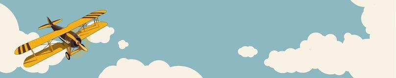 Γραφική ανασκόπηση Κίτρινο αεροπλάνο που πετά πέρα από τον ουρανό με τα σύννεφα στο εκλεκτής ποιότητας stylization χρώματος Οριζό ελεύθερη απεικόνιση δικαιώματος