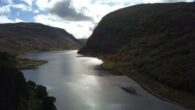 Γραφική λίμνη Killin, σκωτσέζικο Χάιλαντς, UK, από τον αέρα απόθεμα βίντεο