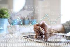 Γραφική παράσταση ανάλυσης στοιχείων στην εικονική οθόνη Έννοια επιχειρησιακών χρηματοδότησης και τεχνολογίας διανυσματική απεικόνιση