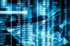 Γραφική παράσταση των στοιχείων χρηματιστηρίου και οικονομικός με την ανάλυση IND αποθεμάτων Στοκ φωτογραφίες με δικαίωμα ελεύθερης χρήσης