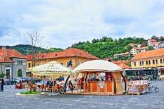 Γραφική τετραγωνική πόλη Ρουμανία Brasov άποψης Στοκ φωτογραφία με δικαίωμα ελεύθερης χρήσης