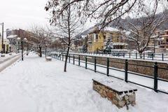 Γραφική χειμερινή σκηνή από τον παγωμένο ποταμό της Φλώρινας, μια μικρή πόλη στη βόρεια Ελλάδα Στοκ Εικόνες