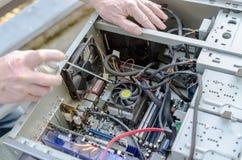 γραφικό απομονωμένο λευκό κατσαβιδιών επισκευής υπολογιστών προσαρμοστών Στοκ Φωτογραφίες