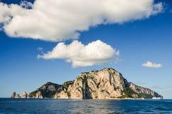 Γραφικό θερινό τοπίο του νησιού capri, Ιταλία Στοκ Φωτογραφία