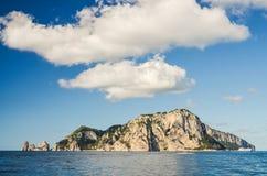 Γραφικό θερινό τοπίο του νησιού capri, Ιταλία Στοκ Εικόνες