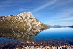 Γραφικό πυραμιδικό βουνό Στοκ Εικόνες