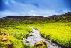 Γραφικό τοπίο ενός ποταμού βουνών με το παραδοσιακό natur Στοκ Εικόνα