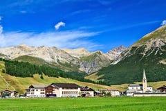 Γραφικό χωριό Livigno στα ιταλικά Άλπεις Στοκ Φωτογραφίες
