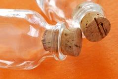 γυαλί μπουκαλιών δύο στοκ φωτογραφίες με δικαίωμα ελεύθερης χρήσης