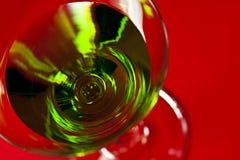 γυαλί πράσινο martini ποτών Στοκ Φωτογραφία