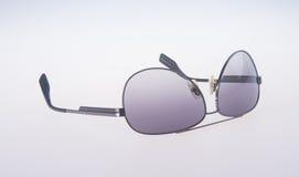 Γυαλιά ηλίου που απομονώνονται στο υπόβαθρο γυαλιά ηλίου που απομονώνονται στο θόριο Στοκ φωτογραφίες με δικαίωμα ελεύθερης χρήσης