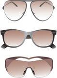 Γυαλιά ηλίου που τίθενται για τα άτομα. Στοκ Εικόνες