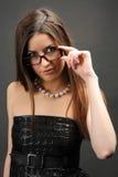 γυαλιά που φορούν τη γυν&al Στοκ φωτογραφίες με δικαίωμα ελεύθερης χρήσης