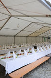 γυαλί επιτραπέζιος γάμος κουκλών διακοσμήσεων ζευγών Στοκ εικόνα με δικαίωμα ελεύθερης χρήσης