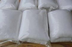 Γυαλί ινών για τη συσκευασία δεξαμενών ψαριών φίλτρων στη πλαστική τσάντα Στοκ εικόνα με δικαίωμα ελεύθερης χρήσης