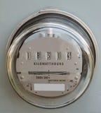 Γυαλί μετρητών βατώρας ανεφοδιασμού ηλεκτρικής δύναμης που καλύπτεται στοκ εικόνες