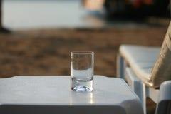 Γυαλί του αργοσχόλου παραλιών νερού Στοκ Φωτογραφίες