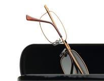 Γυαλιά ανάγνωσης σε ένα άσπρο υπόβαθρο Στοκ Φωτογραφία