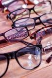 Γυαλιά ανάγνωσης στον πίνακα Στοκ φωτογραφία με δικαίωμα ελεύθερης χρήσης