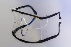Γυαλιά ασφάλειας στην αντανάκλαση Στοκ εικόνα με δικαίωμα ελεύθερης χρήσης