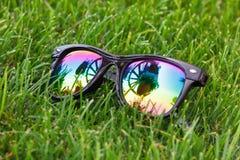 Γυαλιά ηλίου με την όμορφη αντανάκλαση Στοκ Εικόνες