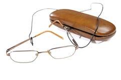 Γυαλιά ματιών δίπλα στην περίπτωσή του στοκ εικόνες με δικαίωμα ελεύθερης χρήσης