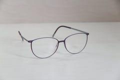 Γυαλιά ματιών σε έναν πίνακα Στοκ φωτογραφία με δικαίωμα ελεύθερης χρήσης