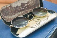 γυαλιά παλαιά Στοκ φωτογραφία με δικαίωμα ελεύθερης χρήσης