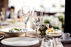 Γυαλιά που τίθενται κενά στο εστιατόριο Στοκ φωτογραφίες με δικαίωμα ελεύθερης χρήσης