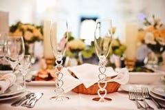 Γυαλιά που τίθενται κενά στο εστιατόριο Στοκ εικόνα με δικαίωμα ελεύθερης χρήσης