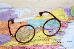 Γυαλιά σε έναν χάρτη των ΗΠΑ - δυτική Βιρτζίνια Στοκ Εικόνες