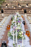 Γυαλιά στην εορταστική επιτραπέζια ρύθμιση Έννοια ντεκόρ γαμήλιων πινάκων Πίνακας που θέτει στο κλασικό ύφος, setout Καλές Τέχνες στοκ φωτογραφία με δικαίωμα ελεύθερης χρήσης