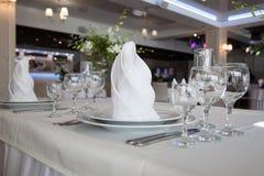 Γυαλιά στο εστιατόριο Στοκ Εικόνα
