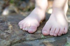γυμνά πόδια λίγα Στοκ Φωτογραφία