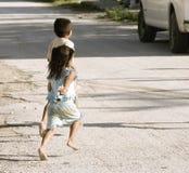 γυμνά πόδια παιδιών Στοκ Φωτογραφίες