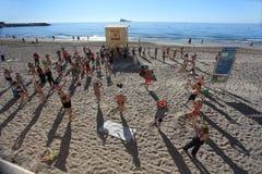 Γυμναστική Benidorm στην παραλία Στοκ Εικόνα